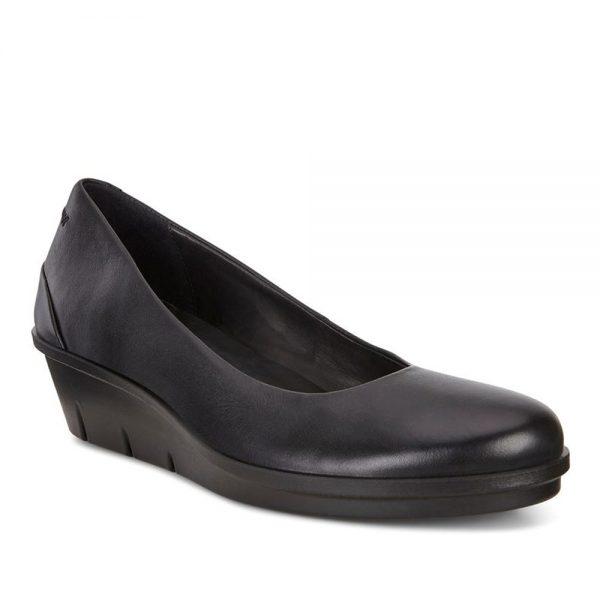 Ecco Skyler. Premium black lesther loafers.
