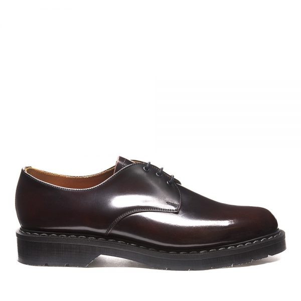 SOLOVAIR Burgundy Rub-Off Gibson Shoe. Made from quality leather.