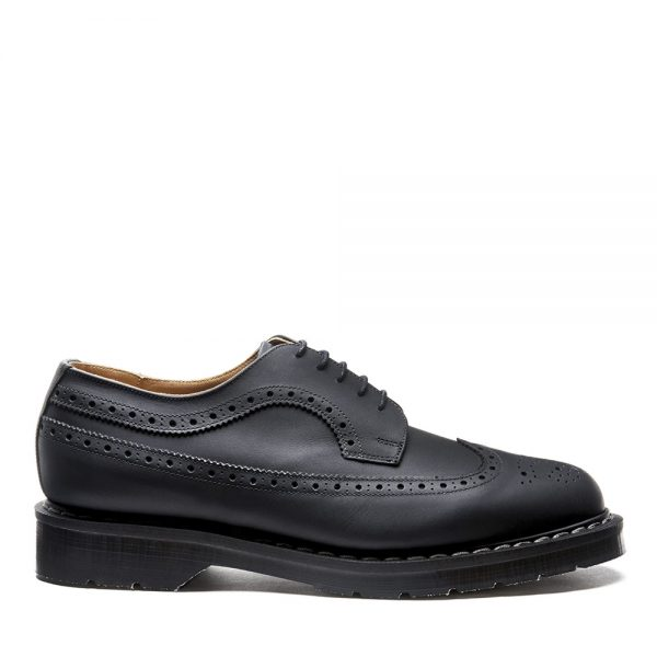 SOLOVAIR Black Greasy American Brogue Shoe. Made from quality leather.