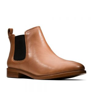 Clarks Taylor Shine Tan Leather