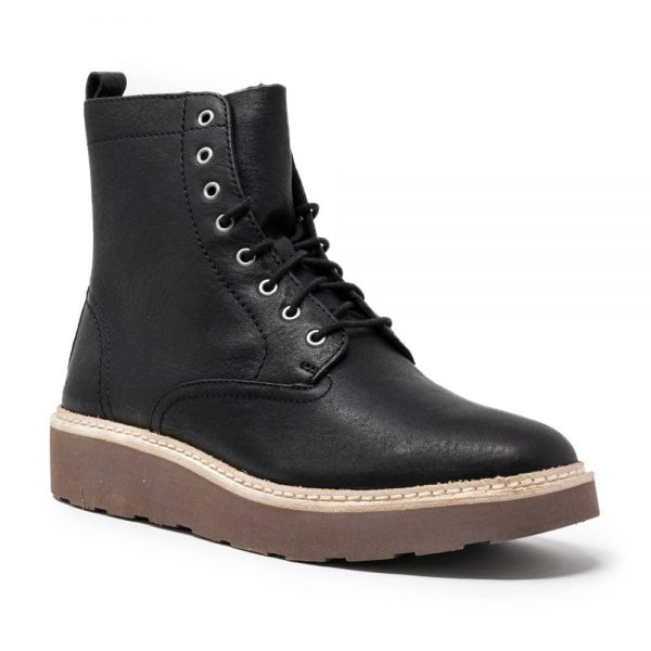 Clarks Trace Pine Black Leather