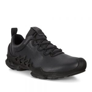 Rubber outsole for durability and grip across all terrains