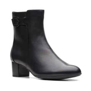 CLARKS Linnae Up Black Leather